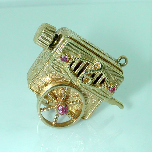 Wheel Cart Music Box 14K Gold Vintage Charm ~ Plays