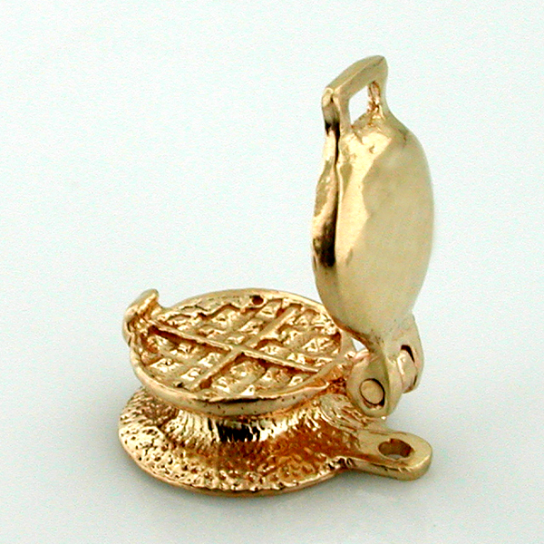 14k Gold Waffle Maker 3D Movable Charm